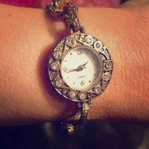 costume jewelry Jewelry - Antique Gold Tone Rhinestone Link Bracelet Watch & 71% off costume jewelry Jewelry Antique Gold Tone Rhinestone Link ...